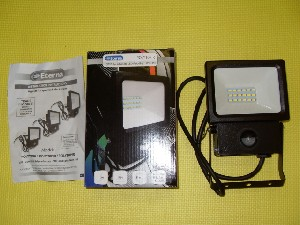LED Outdoor floodlight IP44 10watt with PIR Polycarbonate