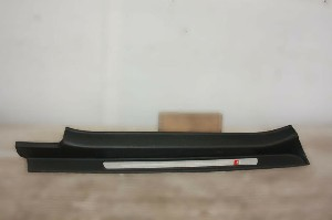 2006-2013 AUDI TT 8J0 GENUINE PASSENGER SIDE SILL COVER TRIM 8J08